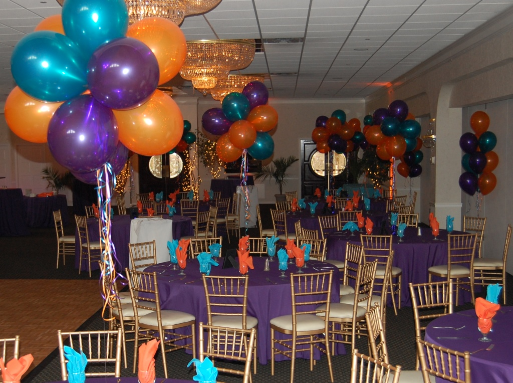 Balloon centerpieces for Balloon decoration ideas for sweet 16